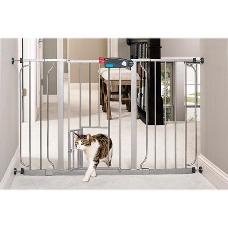 Carlson Super Wide Walk Through Pet Gate Platinum