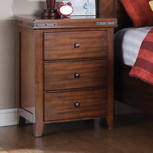 Winners Only, Inc. 3 Drawer Bachelor's Chest