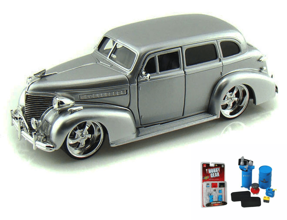 Diecast Car & Garage Diorama Package 1939 Chevy Master Deluxe, Silver Jada Toys Bigtime... by ModelToyCars