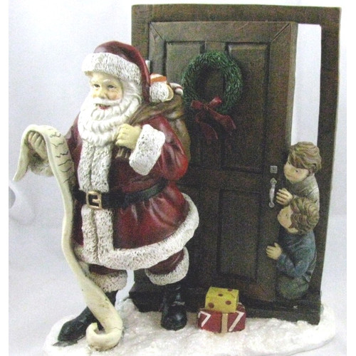 Horizons East Santa with Peeping Children