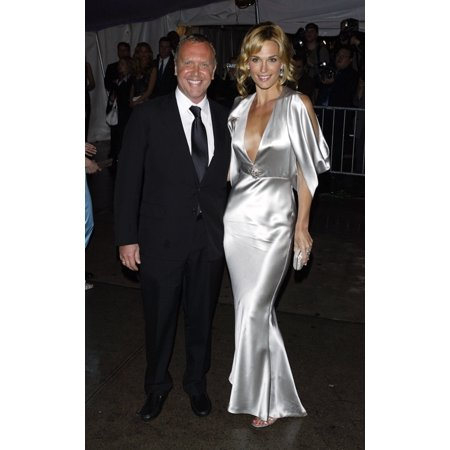 Model Molly Sims And Michael Kors Arrive At The Costume Institute Party Of The Year At The Met April 26 2004 In New York City Celebrity - Party City Greenfield