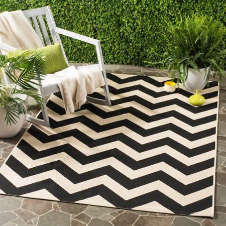 Safavieh Courtyard Bailey Chevron Indoor/Outdoor Area Rug or Runner ()