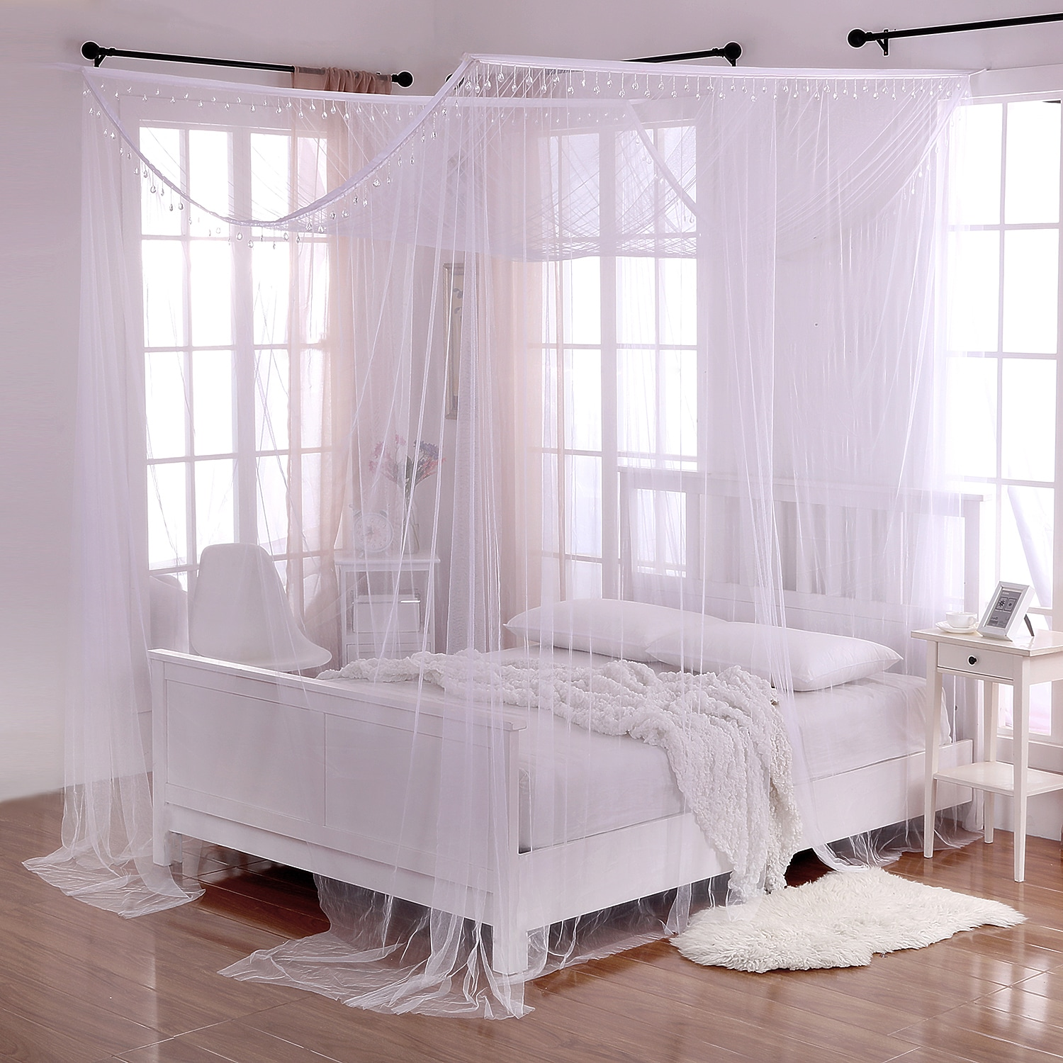 Epoch Hometex, inc. Palace Crystal Accent White Polyester 4-Post Bed Canopy