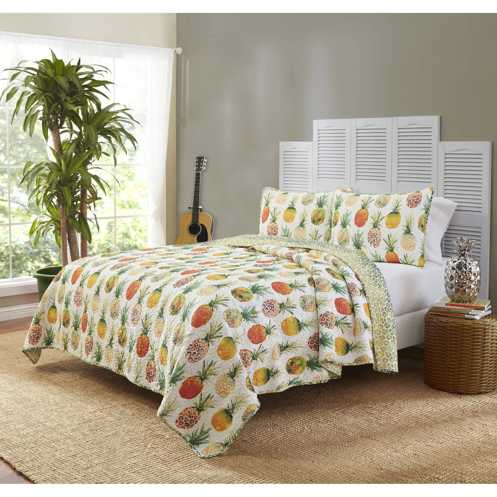 Mainstays Honolulu Reversible 3-Piece Bedding Quilt Set