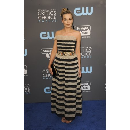 Margot Robbie At Arrivals For The Critics Choice Awards 2018 Barker Hangar Santa Monica Ca January 11 2018 Photo By Elizabeth Goodenougheverett Collection Celebrity