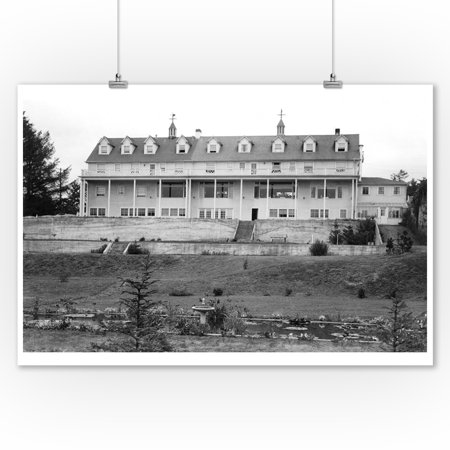 Oceanlake, Oregon View of the Dorchester House Photograph (9x12 Art Print, Wall Decor Travel