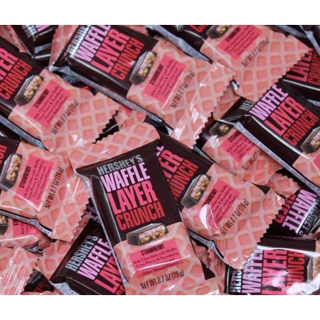 Hershey's Strawberry Cream Waffle Layer Crunch, Milk Chocolate Mothers Day Candy Bar, 2Lbs (Crunchy Candy Bar)