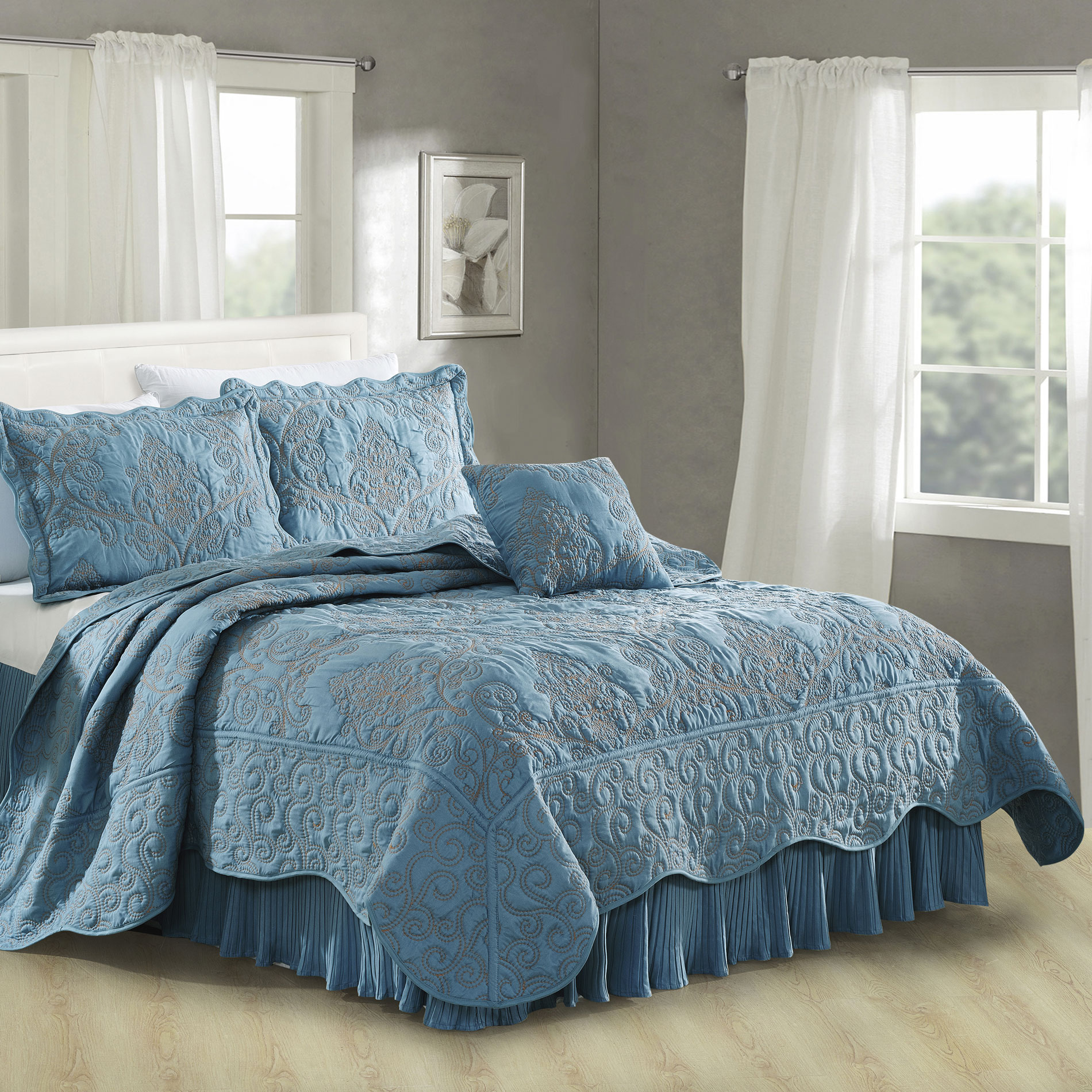 Serenta Damask Embroidered 4 Piece Quilt Bedspread Set