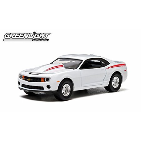2012 CHEVROLET COPO CAMARO (White with Red Stripes) 2014 Greenlight Collectibles 1:64 Scale Limited Edition Hobby Exclusive Die-Cast Vehicle by GL Muscle - image 2 of 4