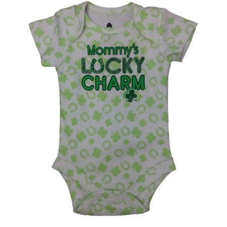 Lucky Shamrock Clover (Infant Mommys Lucky Charm St Patricks Day Single Clover Shamrock Baby Bodysuit )