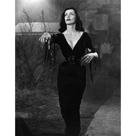 Plan 9 From Outer Space Vampira 1959 Photo Print (Outer Space Photo)