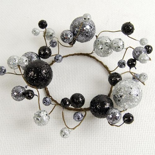 Adams & Co 10'' Haunted Glitter Berry Wreath