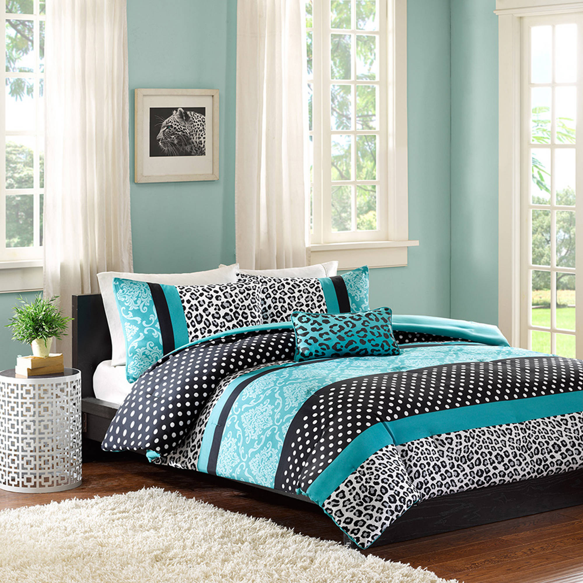 Black and blue bed sheets - Full