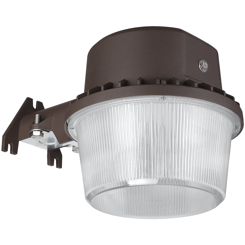 40w Dusk To Dawn Led Outdoor Barn Light With Photocell For Garage 5000k Daylight Walmart Com Walmart Com