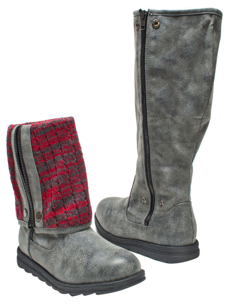 The term mukluk is often used for any soft boot designed for cold weather, and modern designs may use both traditional and modern materials. The word