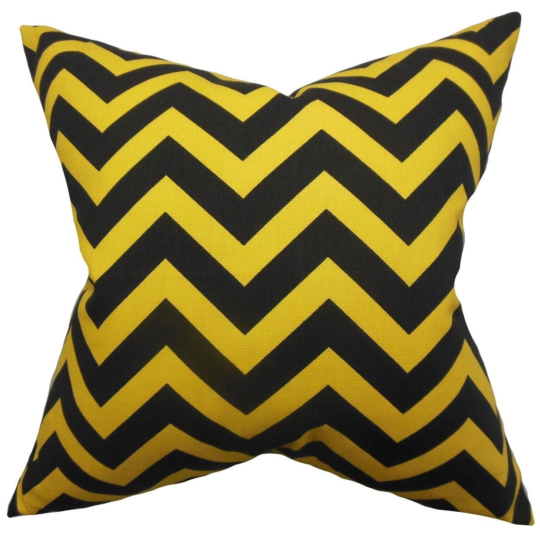 The Pillow Collection Xayabury Zigzag Black Yellow Feather Filled 18 Inch Throw Pillow Walmart Com Walmart Com