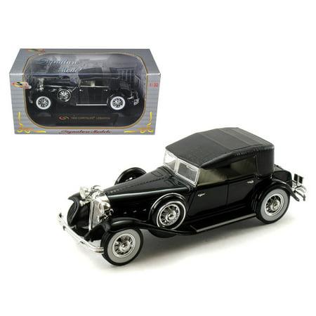 1932 Chrysler Imperial (1932 Chrysler Lebaron Black 1/32 Diecast Car Model by Signature Models)