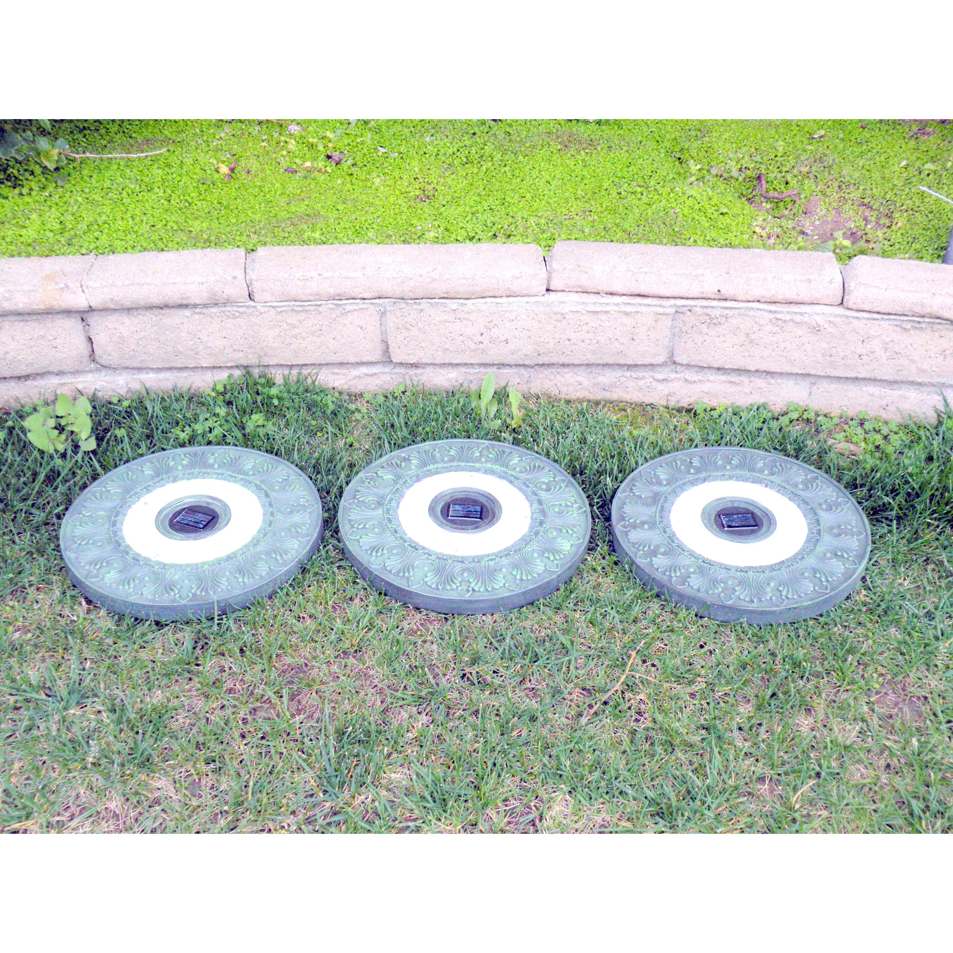 Homebrite Solar Power Round Garden Green Stepping Stones Set of 3 by Homebright Corporation