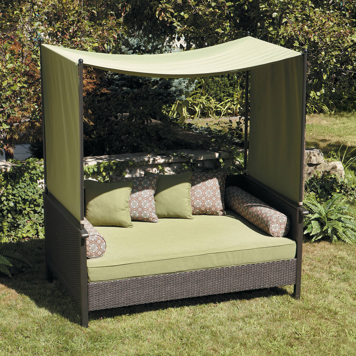 Better Homes And Gardens Providence Outdoor Day Bed, Red