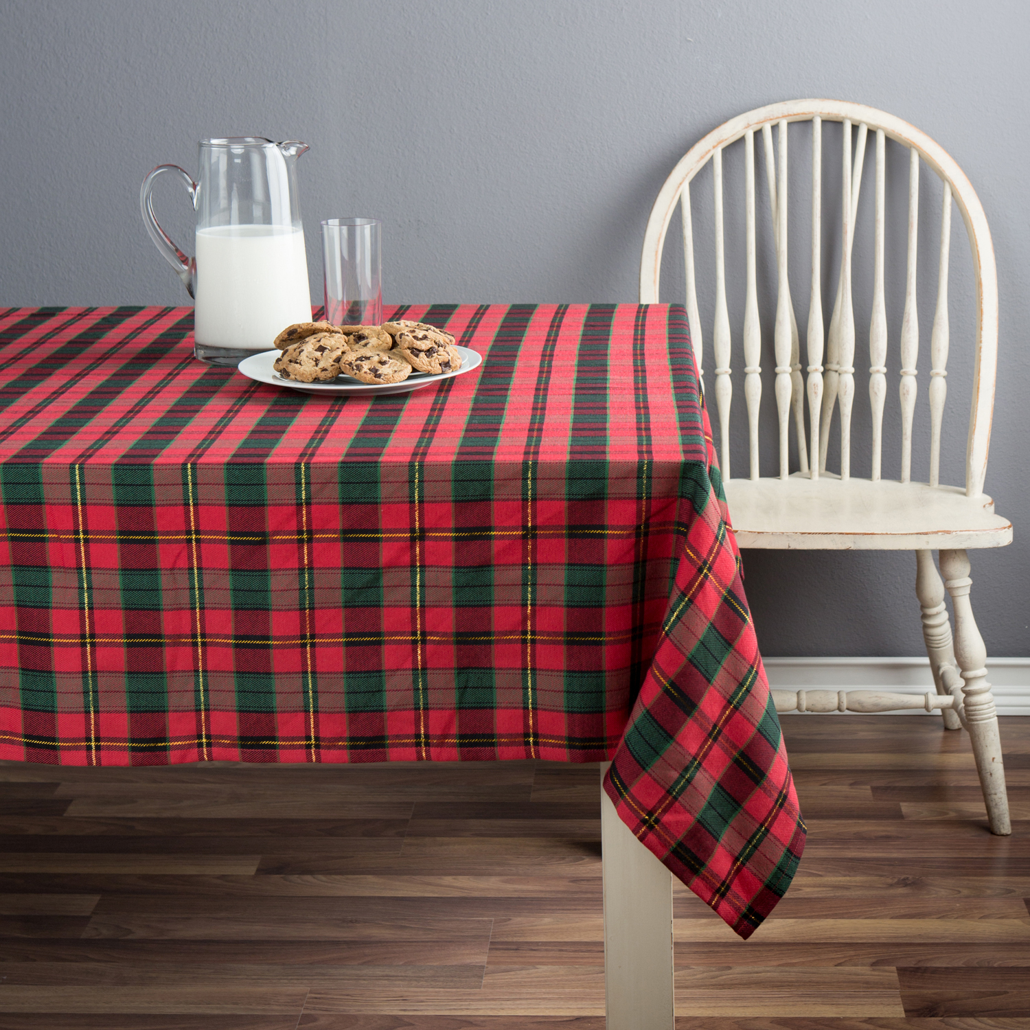 Better Homes U0026 Gardens Dublin Plaid Red And Green Tablecloth, Cotton  Polyester Blend