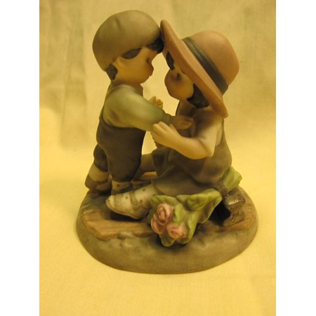 Shall We Kiss And Make Up       Figurine By Kim Anderson