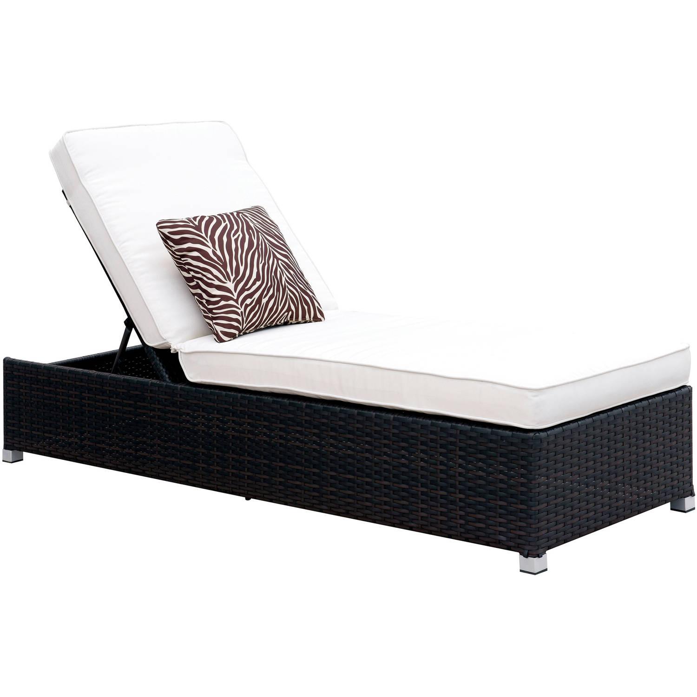 Furniture of America Dino II Contemporary Patio Chaise, White
