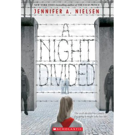 A Night Divided (Scholastic Gold) (Paperback)