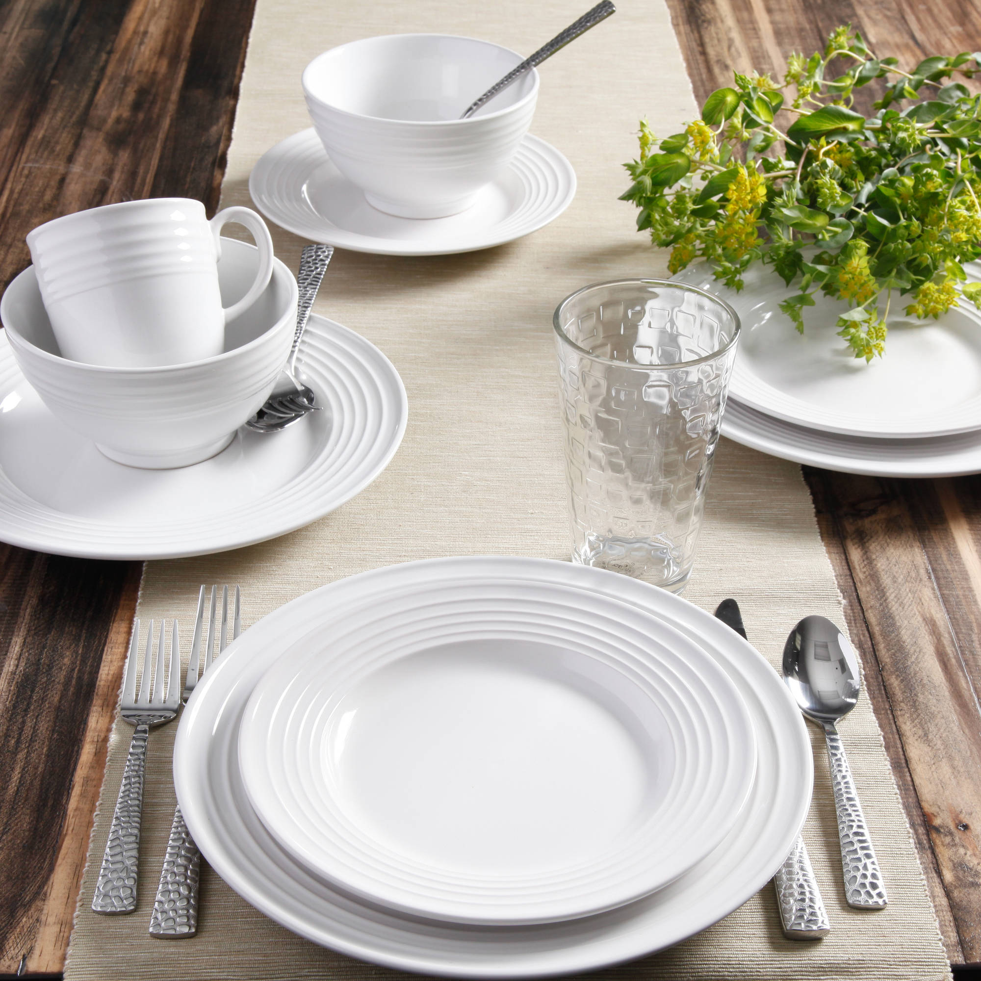 Gibson Home Stanza 16-Piece Dinnerware Set