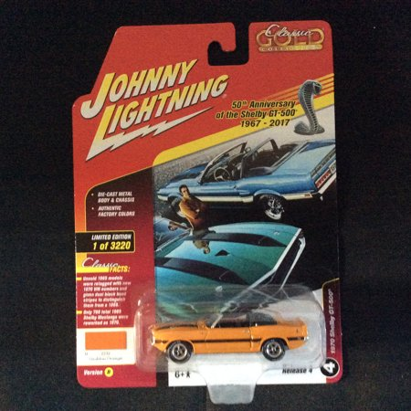 Johnny Lightning JLCG012 Classic Gold Version B 1970 Shelby GT