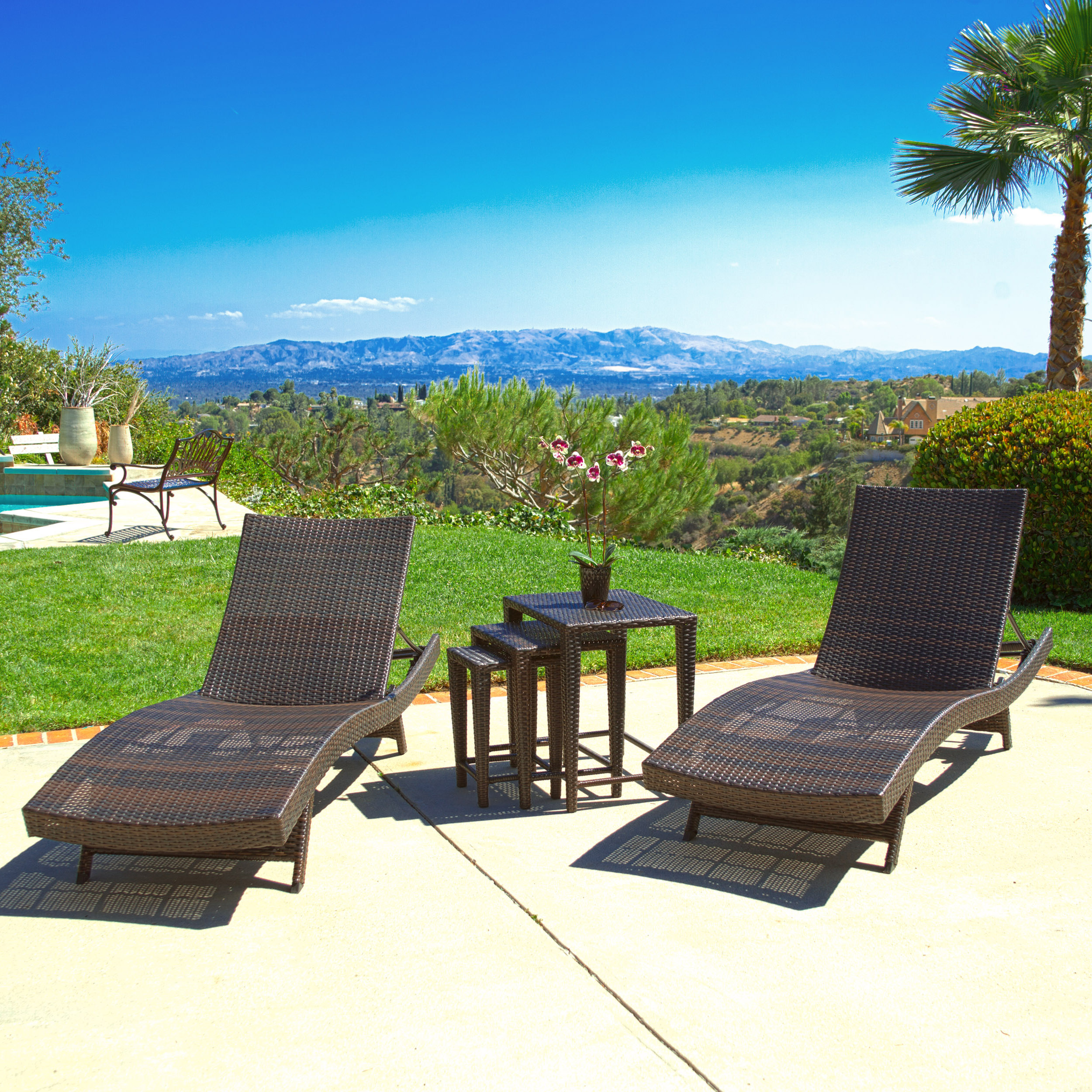 Archie Outdoor Brown Wicker 5-piece Adjustable Chaise Lounge Set