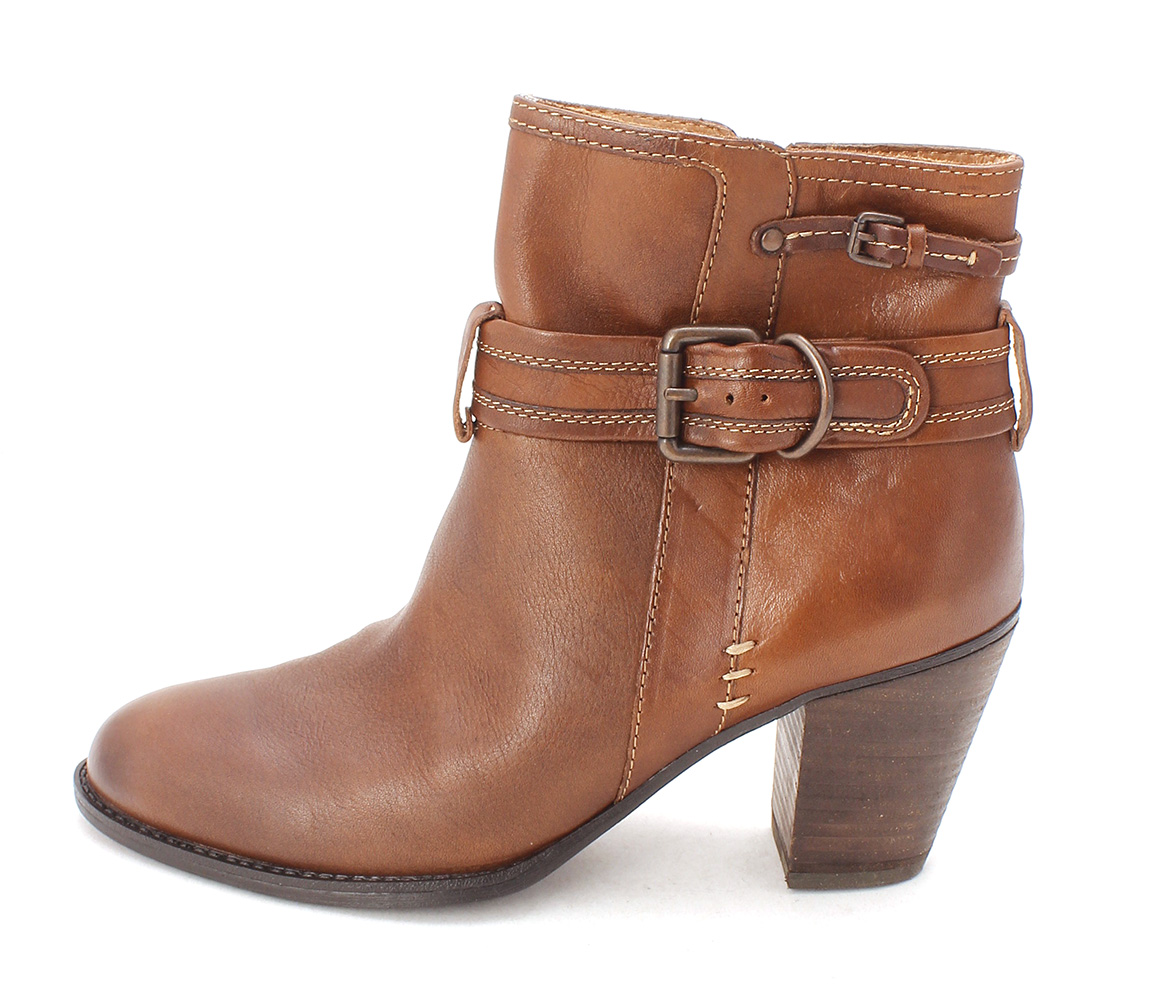 Sofft Womens WYOMING Leather Almond Toe Ankle Fashion Boots by Sofft