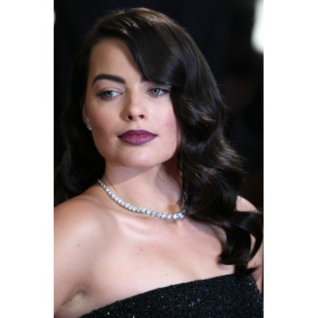 Margot Robbie At Arrivals For The 86Th Annual Academy Awards   Arrivals 2   Oscars 2014 Rolled Canvas Art     8 X 10