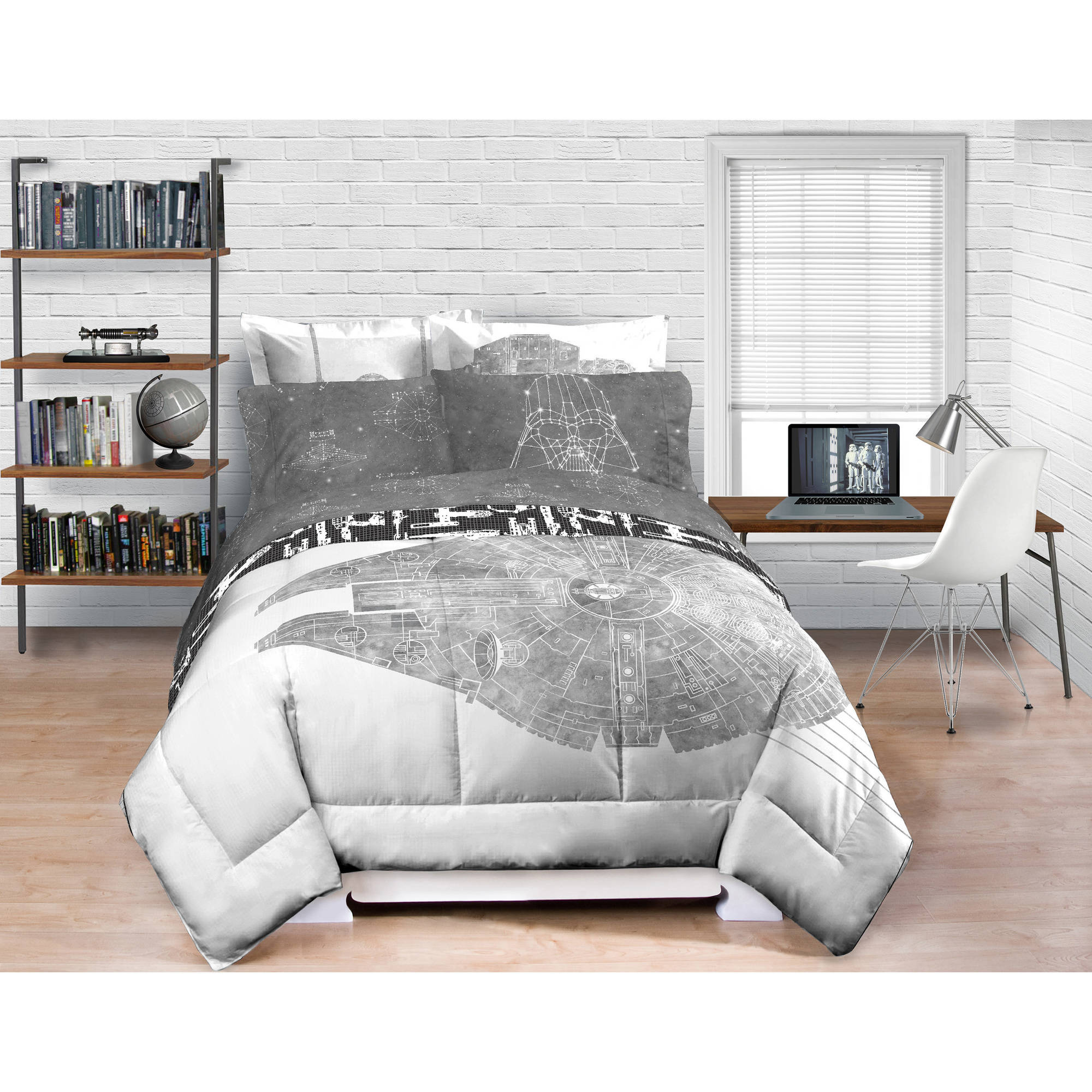 Star Wars Millennium Falcon Bedding Comforter- Exclusive