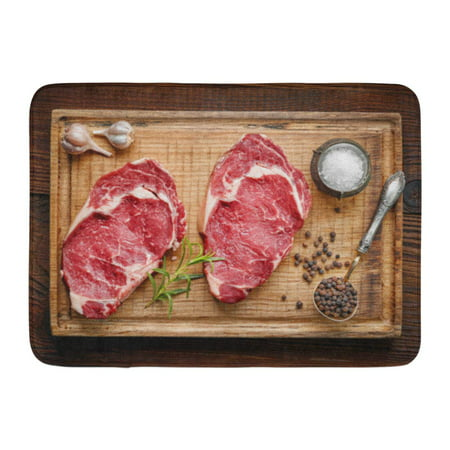 GODPOK Sirloin Red Meat Fresh Raw Beef Steak on Wooden Cutting Board Top View Butchery Cut Rug Doormat Bath Mat 23.6x15.7