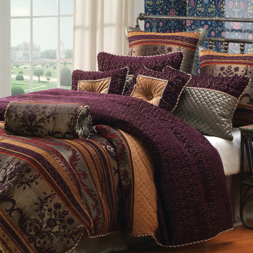 Hallmart Collectibles Petra Comforter Set