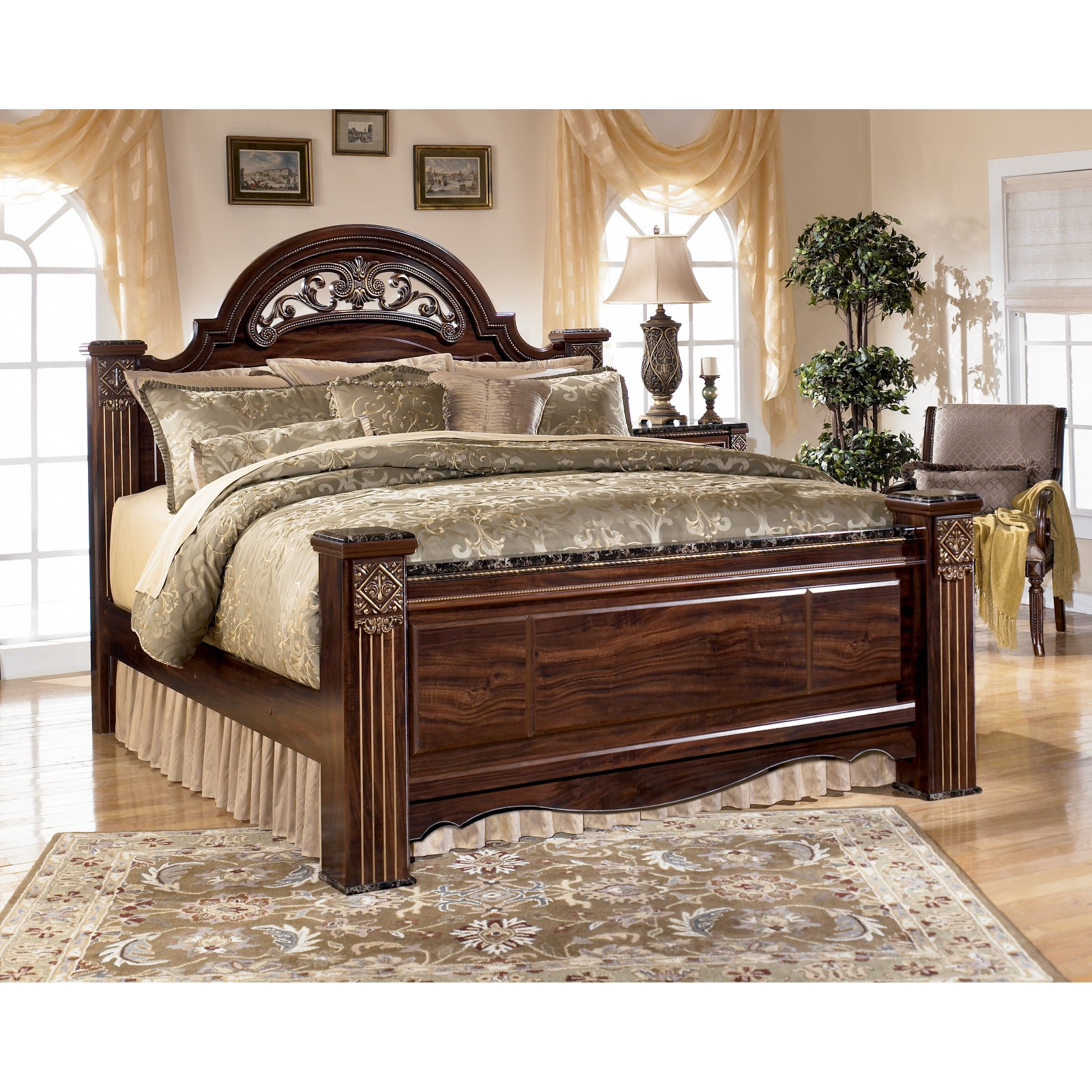 Signature Design by Ashley Gabriela Poster Bed
