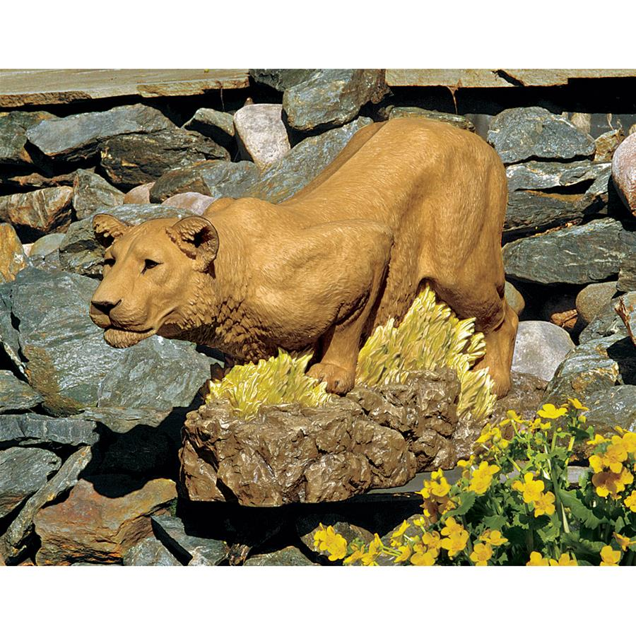 Design Toscano Lioness on the Prowl Statue