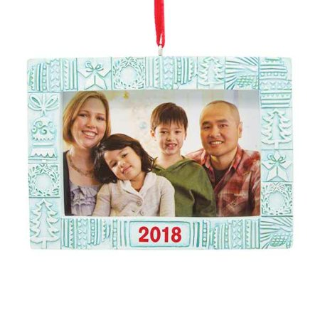 Hallmark 2018 Holiday Photo Holder Dated - Annual Dated Ornament