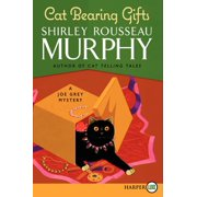 Cat Bearing Gifts : A Joe Grey Mystery
