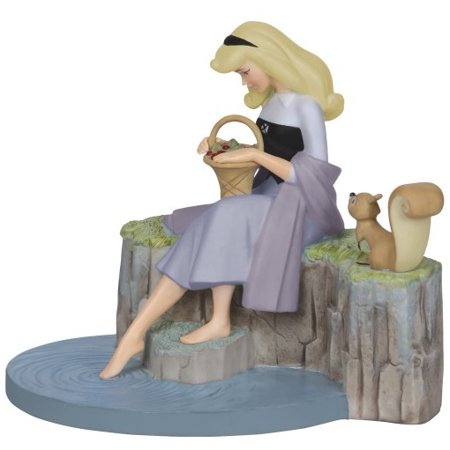 Precious Moments Sleeping Beauty Aurora Dreams of Love Porcelain Figurine 142709