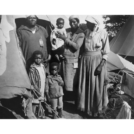 African American Women With Three Children During The 1927 Mississippi River Flood The Red Cross Provided Relief At Segregated Refugee Camps On The Vicksburg National Military Park