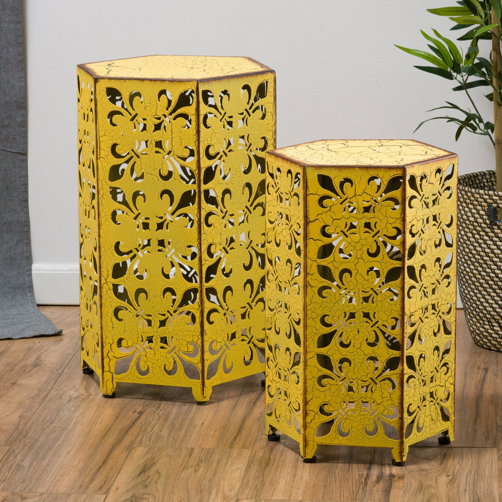 Coral Coast 2 Piece Nesting Table by
