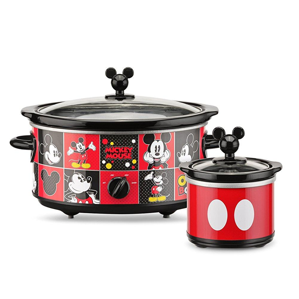 disney dcm-502 mickey mouse 5 quart oval slow cooker with 20 oz dipper, red/