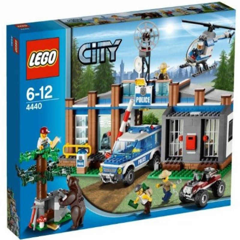 Lego CITY Forest Police Station w/ Helicopter & 5 Minifig...