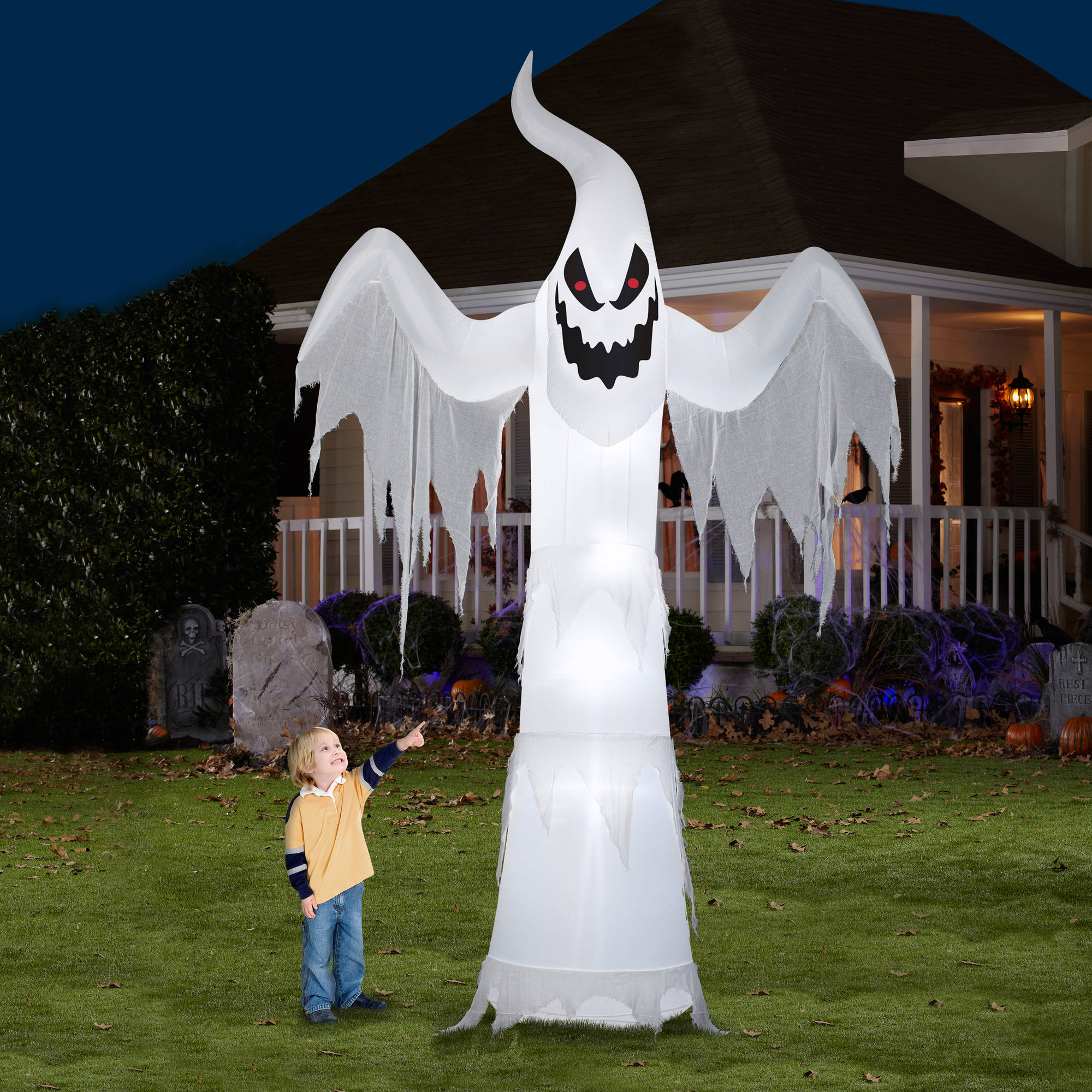 Gemmy Airblown Inflatable 12' X 7.5' Giant Ghost Halloween Decoration