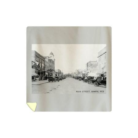 Nampa, Idaho - View of Main Street - Vintage Photograph (88x88 Queen Microfiber Duvet Cover)