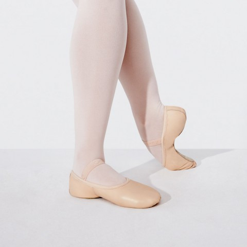 Capezio Girls Lily Leather Ballet Shoe, Ballet Pink, 1.5M by