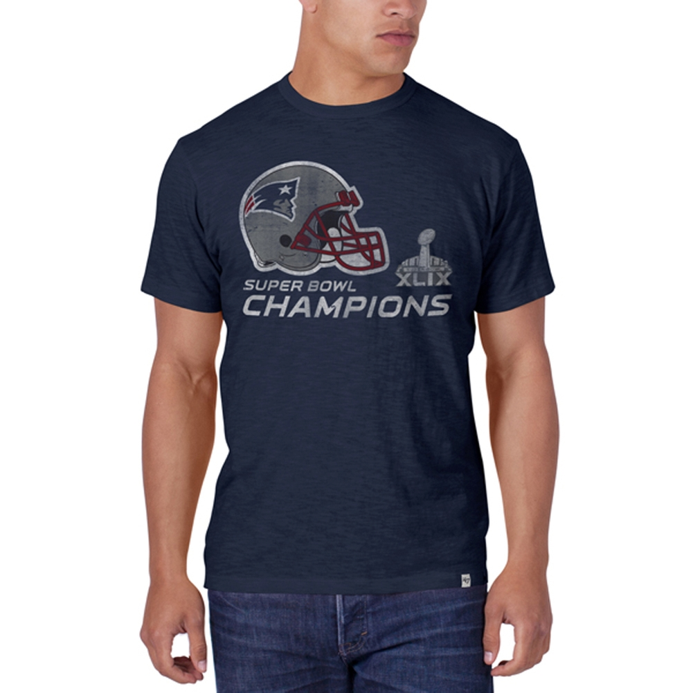New England Patriots - Super Bowl 49 Champions Helmet Logo Scrum T-Shirt