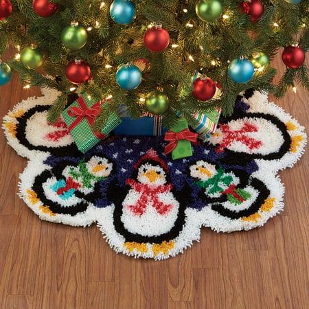 Squirt Penguin (Herrschners® Christmas Penguins Tree Skirt Latch Hook)
