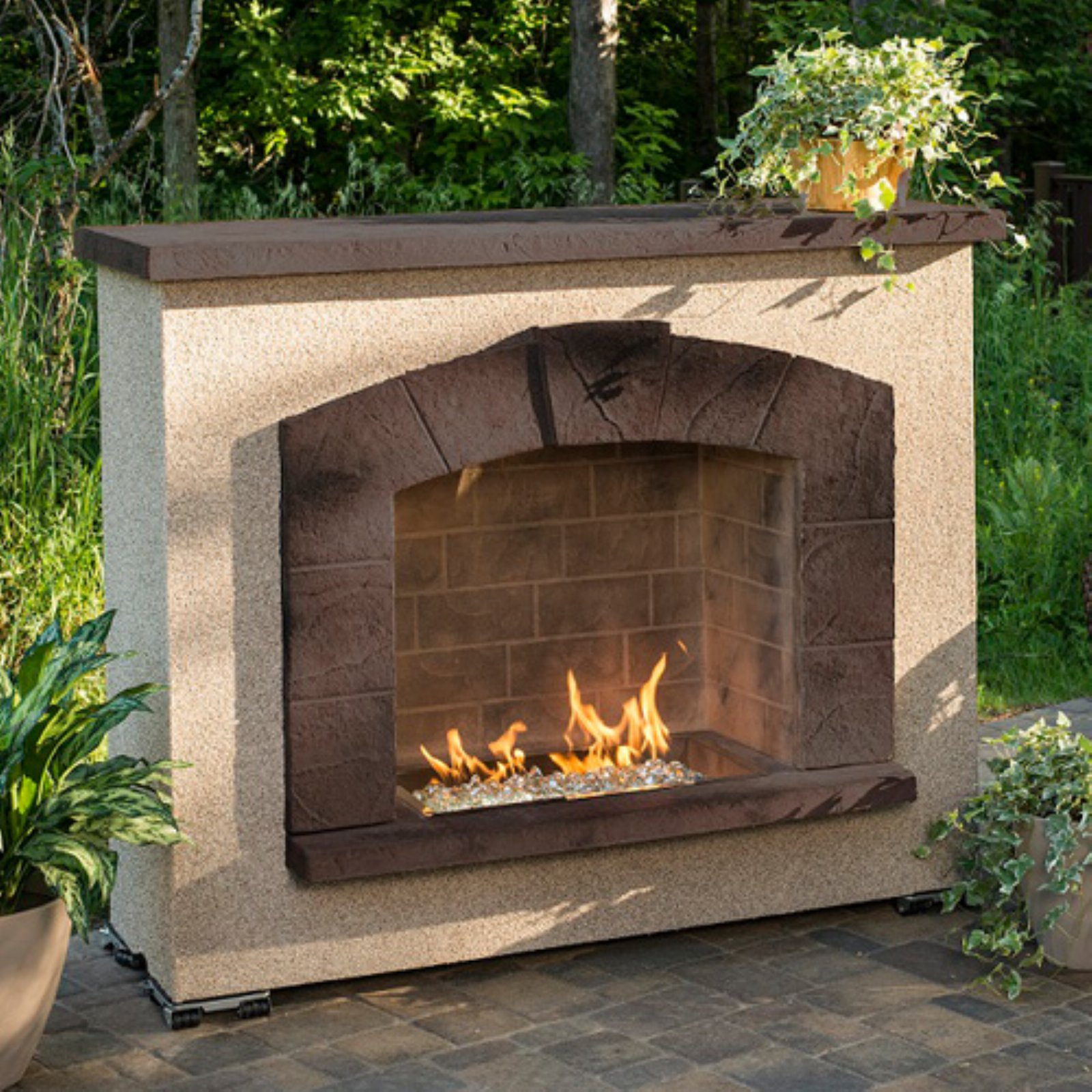 Outdoor GreatRoom Stone Arch Fireplace
